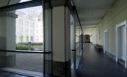 W Atrium Gang 2